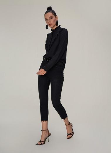 NGSTYLE Fırfır Detaylı Gömlek Siyah